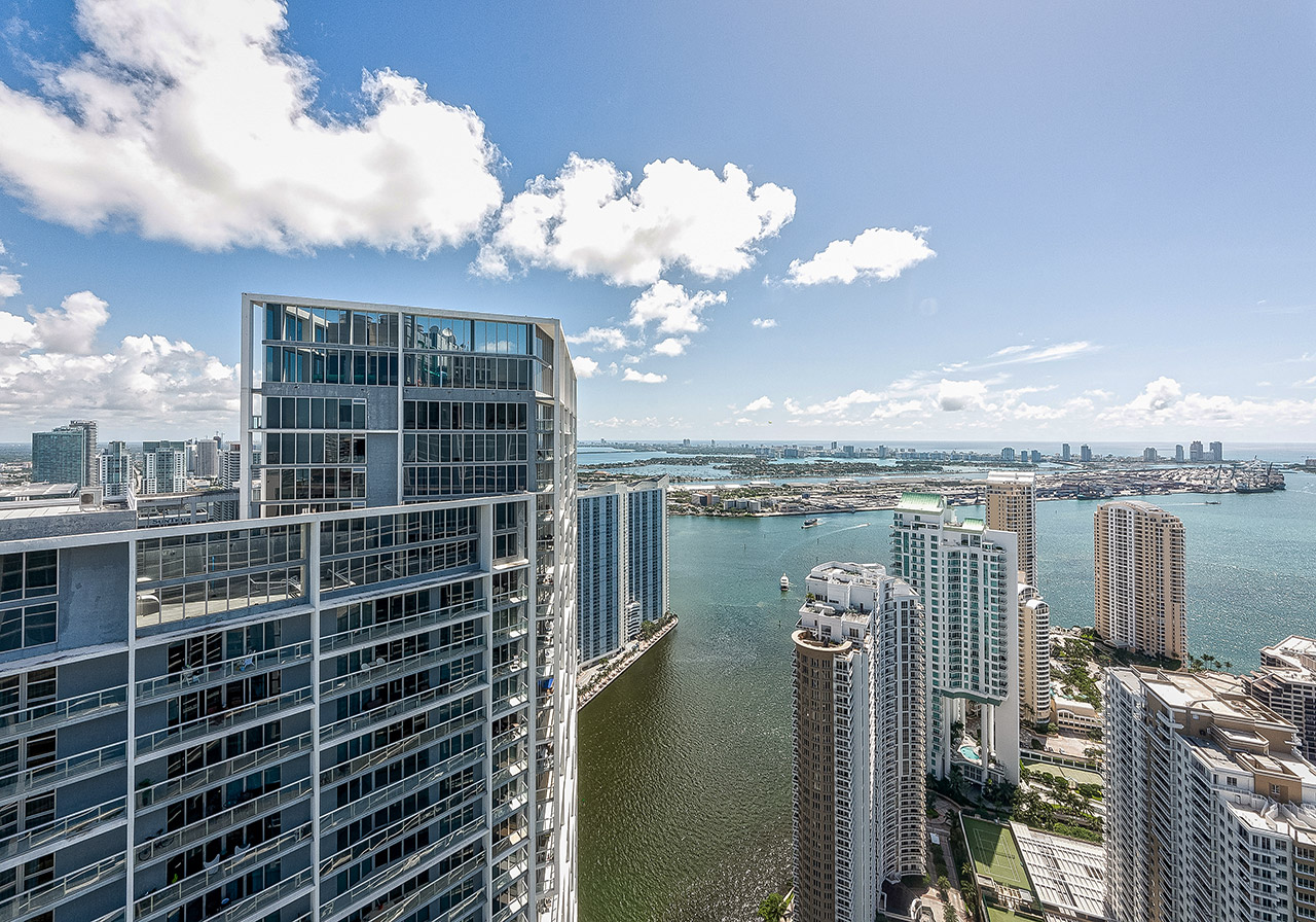 Icon Brickell Penthouse 5710 View