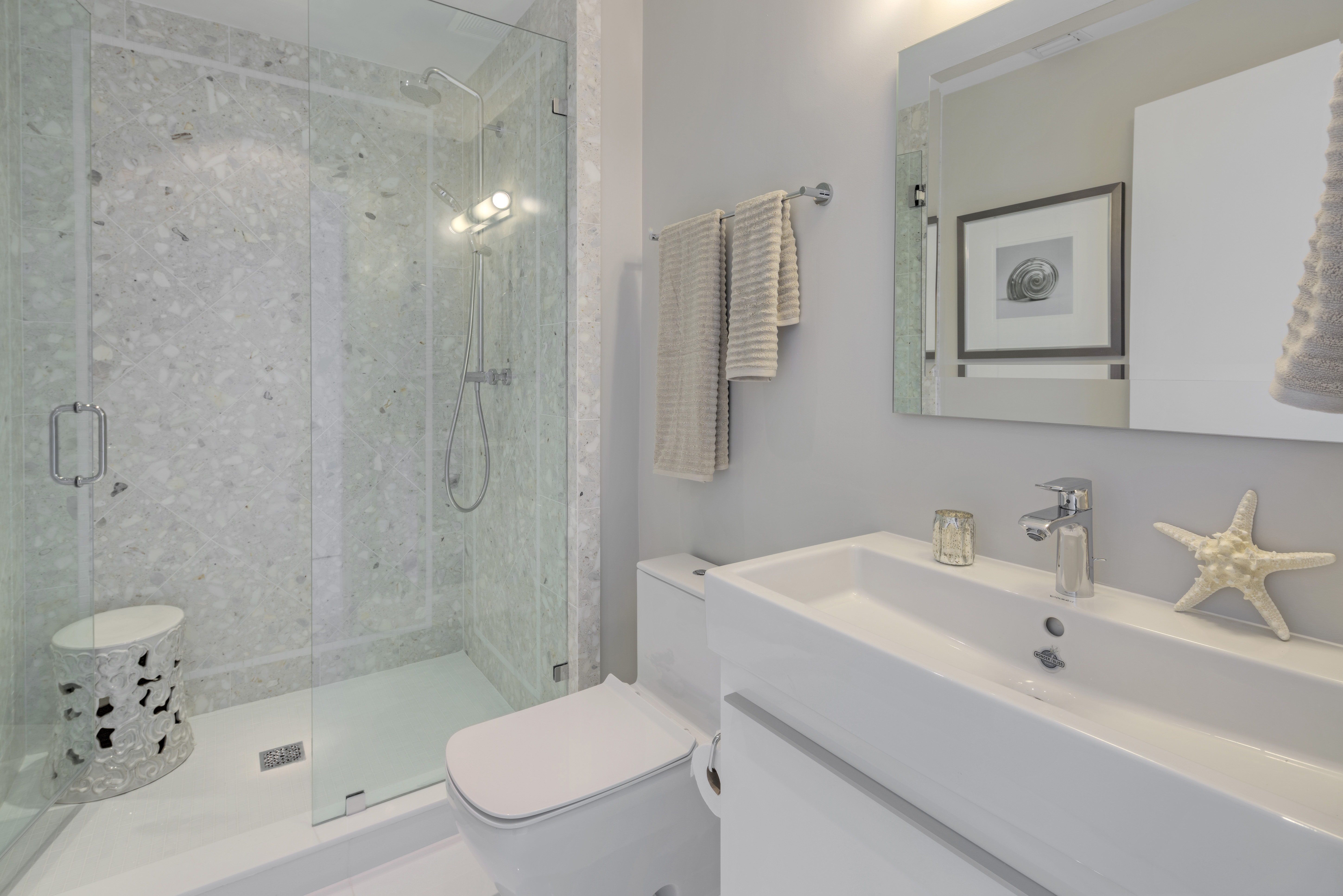 900 Biscayne Bay Penthouse 6307 Guest Bathroom