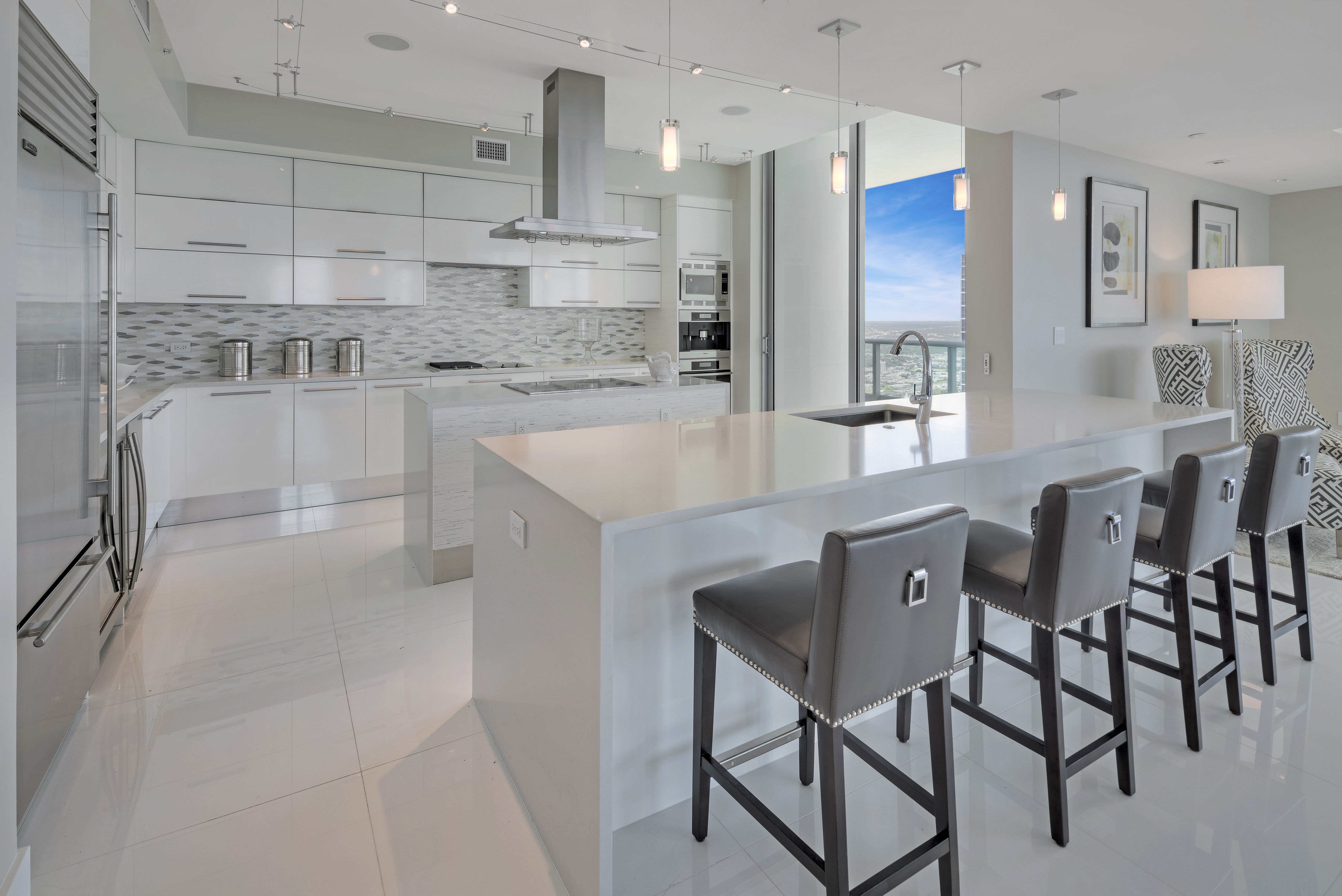 900 Biscayne Bay Penthouse 6307 Kitchen