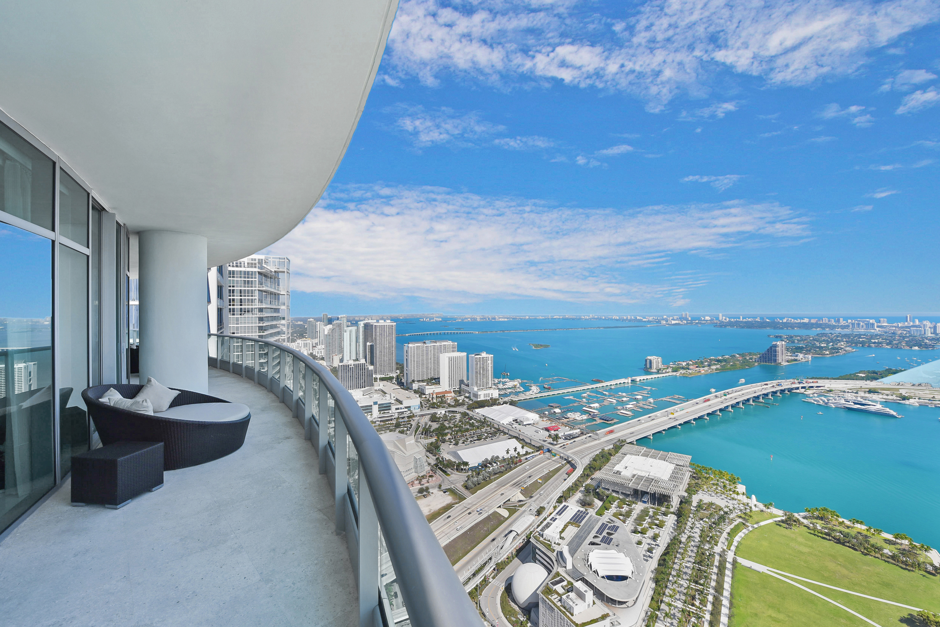 900 Biscayne Bay Penthouse 6307 Entertainment Terrace