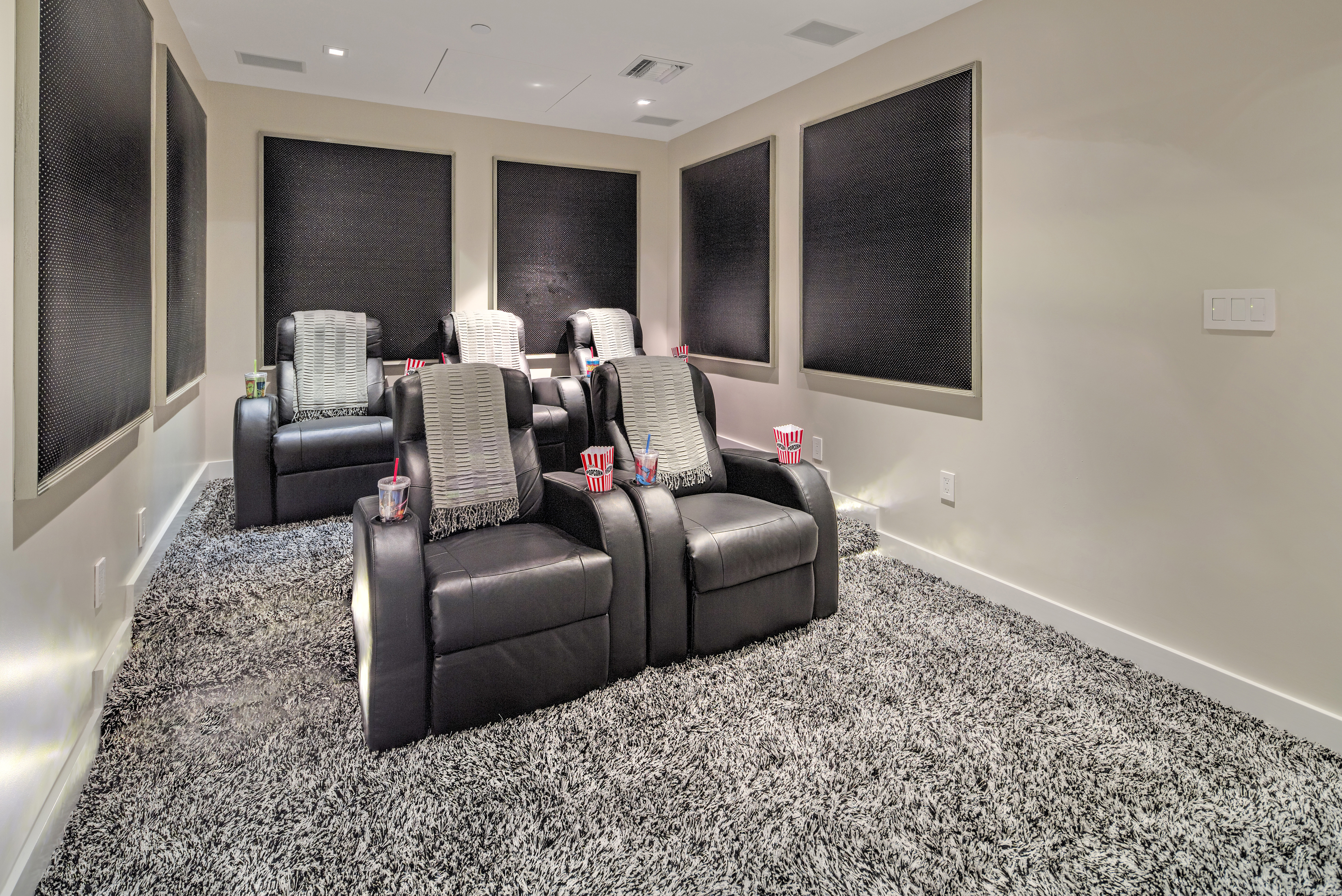 900 Biscayne Bay Penthouse 6307 Private Cinema